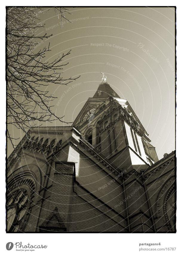 Sky Religion and faith Architecture Back Brick House of worship Protestantism Basilica Neogothic