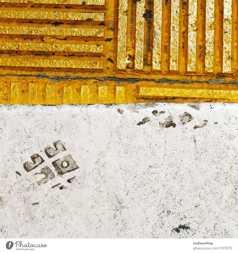 kantstein creeper Colour photo Exterior shot Abstract Day Pedestrian Going Yellow Gold White Ground Curbside Footprint Linearity curbstone CO2 footprint Horizon