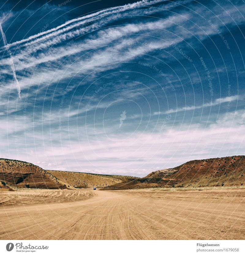 Sky Vacation & Travel Summer Clouds Mountain Street Warmth Freedom Rock Curiosity USA Discover Desert Americas National Park Cervice