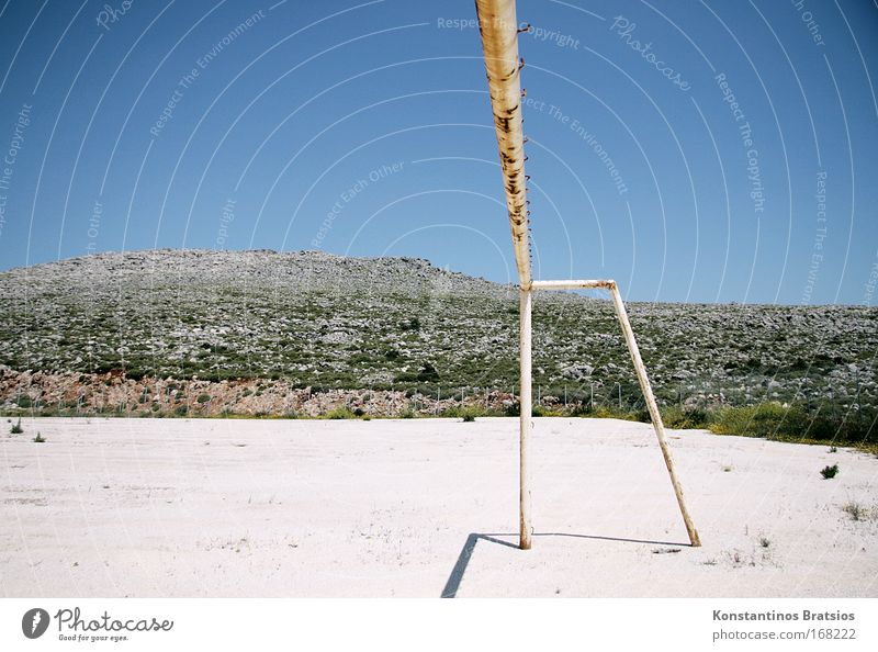 40° in the shade Colour photo Exterior shot Deserted Copy Space left Copy Space bottom Day Sunlight Central perspective Leisure and hobbies Playing Ball sports