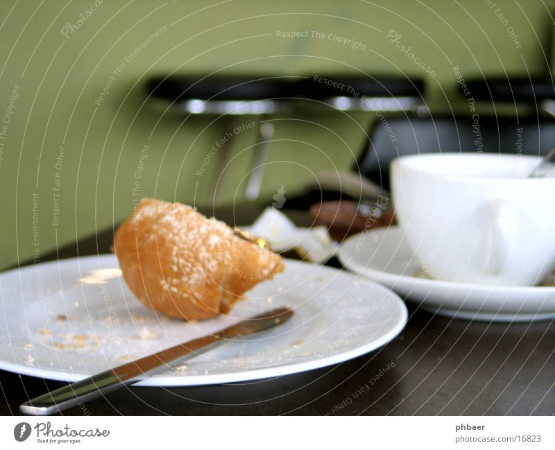 Green Nutrition Table Beverage Coffee Bar Tea Café Breakfast Cup Plate Depth of field Baked goods Remainder Stool