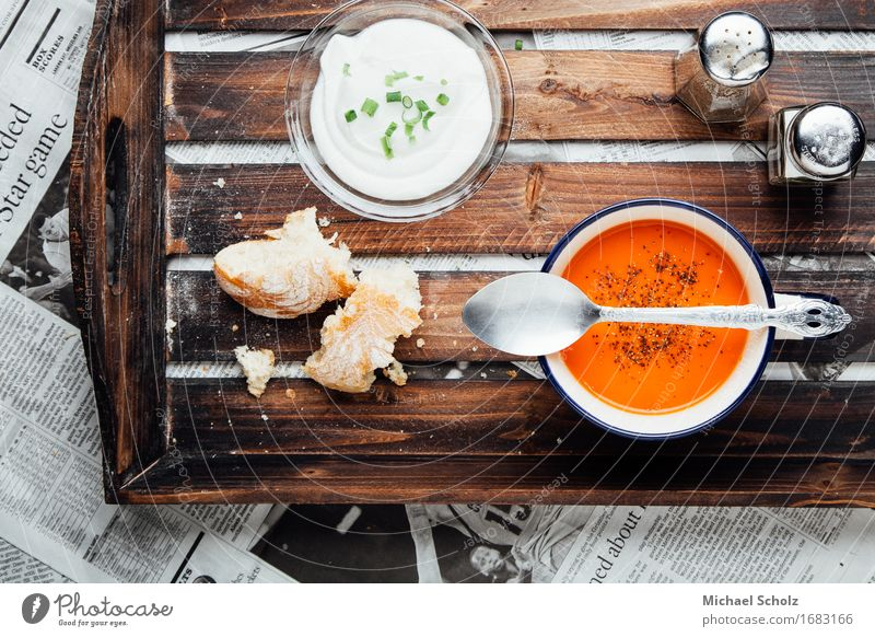 Tomato Soup Red Eating Food photograph Nutrition Herbs and spices Vegetable Organic produce Crockery Newspaper Bread Bowl To feed Dinner Lunch