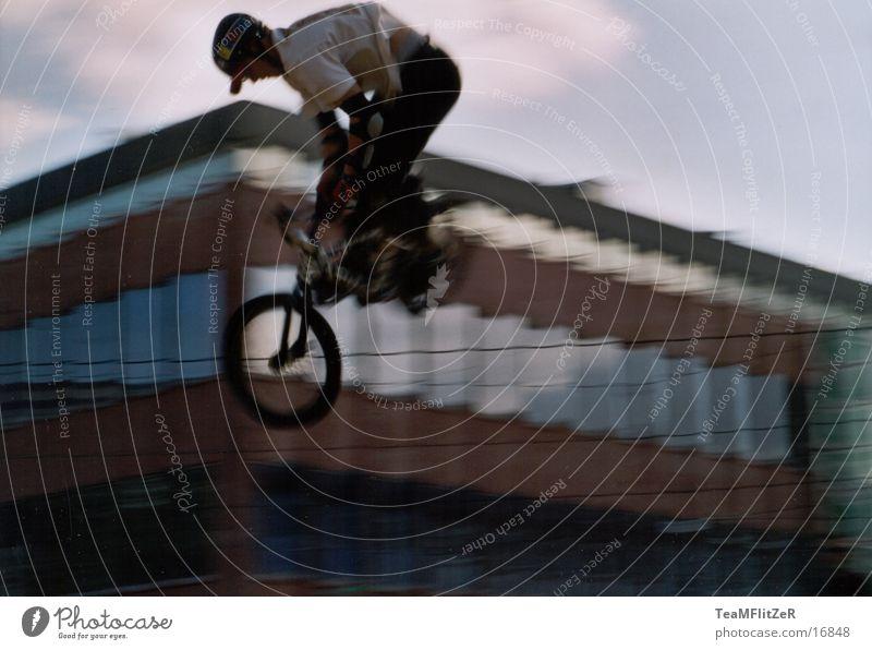 Jump Style Bicycle Flying Extreme BMX bike Extreme sports