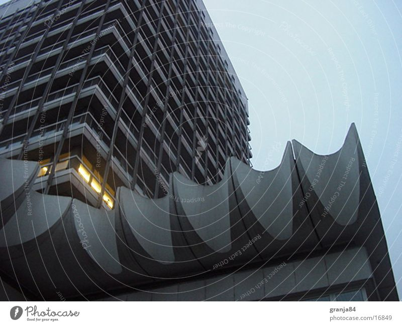 house of travel High-rise Waves Twilight Light Architecture