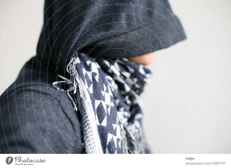 Bluejack, best undetected! Style 1 Human being Hooded sweater Hooded jacket Rag Scarf Hooded (clothing) Reluctance Shame Unidentified Hide Concealed Identify