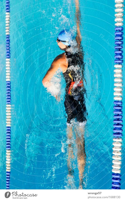 water pirouette Sports Fitness Sports Training Aquatics Sportsperson Triathlon Swimming Indoor swimming pool Swimming & Bathing Sporting event Swimming pool