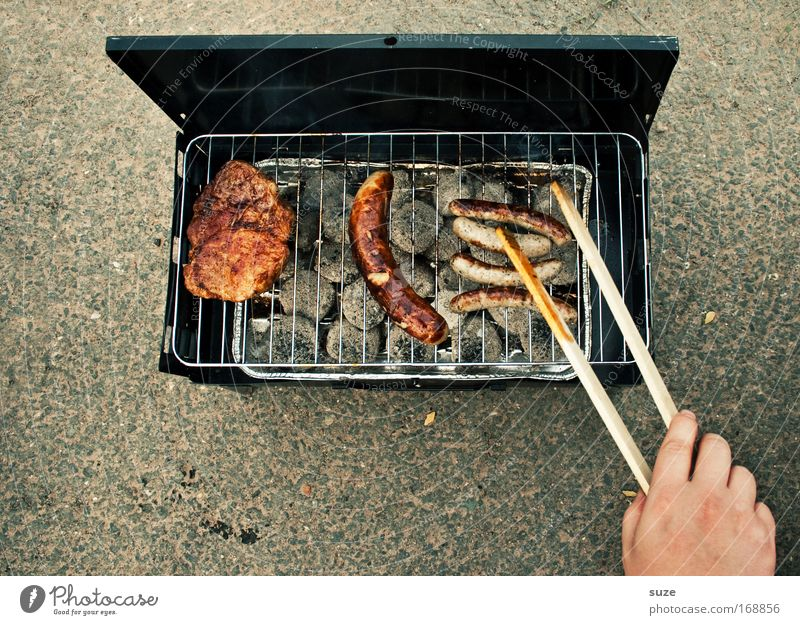 Human being Hand Food Leisure and hobbies Nutrition Appetite Delicious Barbecue (event) Rotate Fragrance Meat Picnic Barbecue (apparatus) Sausage Patient Grill