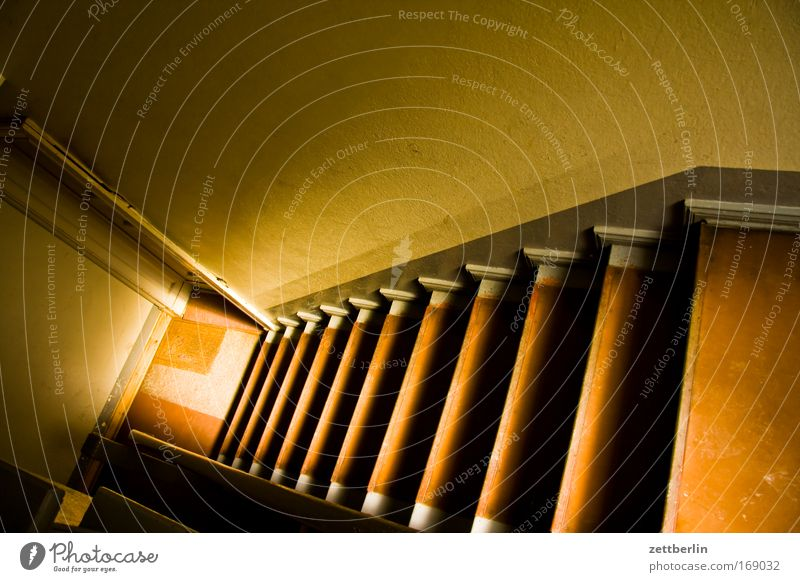 Sun Wall (building) Flat (apartment) Stairs Level Ground Floor covering Living or residing Direction Career Downward Go up Staircase (Hallway) Tenant