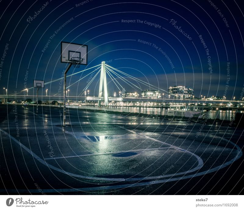 /|\ Basketball Sporting Complex Basketball arena Basketball basket Cologne Deserted Places Bridge Architecture Dark Wet Town Loneliness Perspective Symmetry
