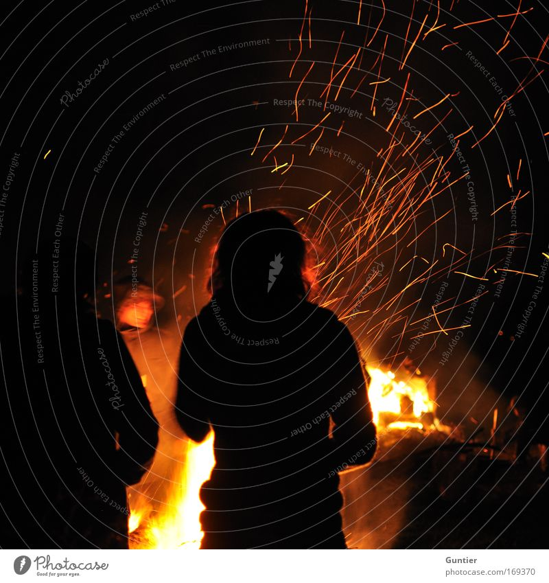 Human being Youth (Young adults) Red Summer Joy Black Adults Yellow Life Cold Emotions Warmth Group Contentment Leisure and hobbies Masculine