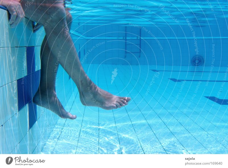 Human being Man Blue Water Hand Summer Adults Relaxation Legs Feet Healthy Swimming & Bathing Contentment Sit Leisure and hobbies Wait