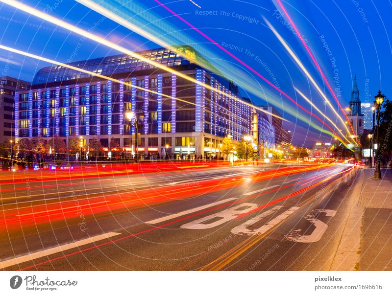 Light track (bus) Tourism Sightseeing City trip Night life Going out Berlin Germany Town Capital city Downtown House (Residential Structure) Building