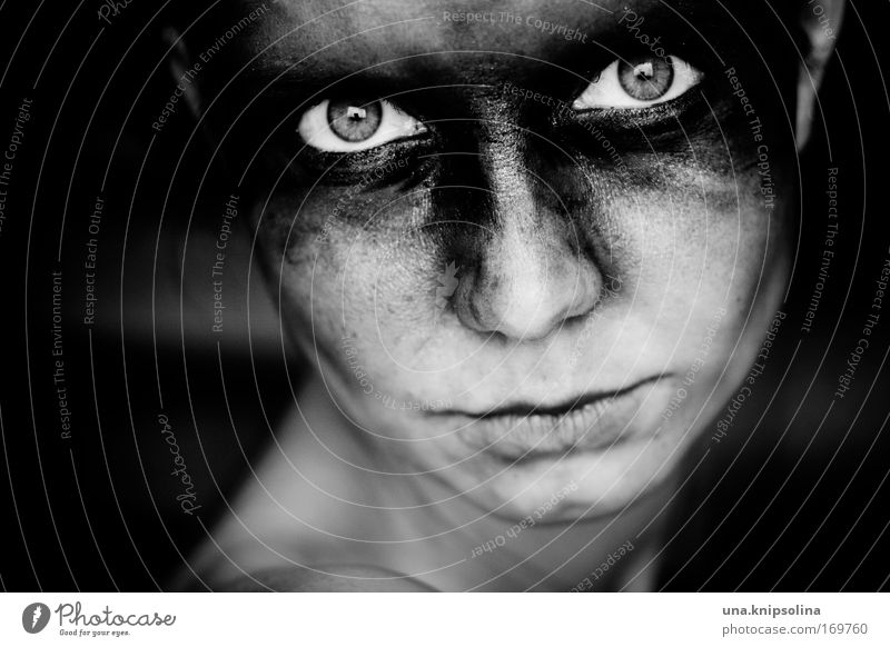 Human being Woman Youth (Young adults) Face Adults Eyes Dark Feminine Emotions Head Fear Dirty Skin Young woman 18 - 30 years Threat