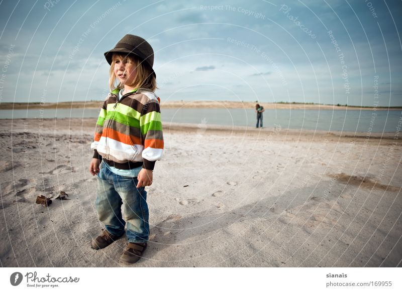 Human being Child Summer Beach Boy (child) Lake Sand Wait Blonde Masculine Horizon Trip Cool (slang) Vacation & Travel Infancy Hat