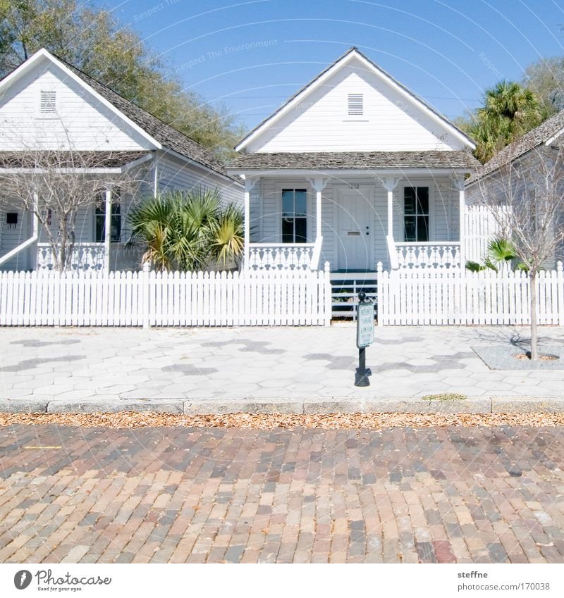 Old House (Residential Structure) Street Happy Contentment Bright USA Clean Florida Joie de vivre (Vitality) Village Friendliness Hut Historic Original