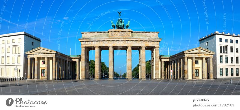 Brandenburg Gate Berlin Germany Town Capital city Downtown Deserted Places Manmade structures Building Architecture Tourist Attraction Landmark Monument Old
