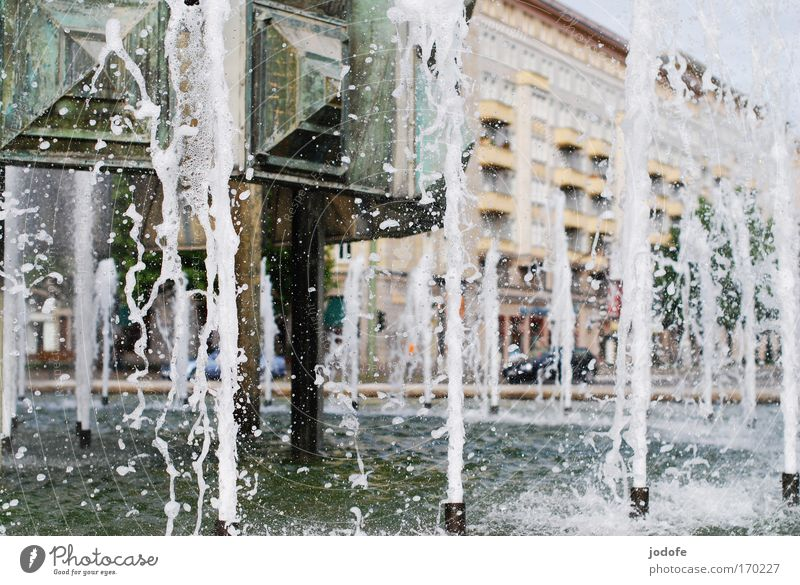 Water City House (Residential Structure) Berlin Movement Building Architecture Road traffic Places Well Monument Capital city Populated Water fountain