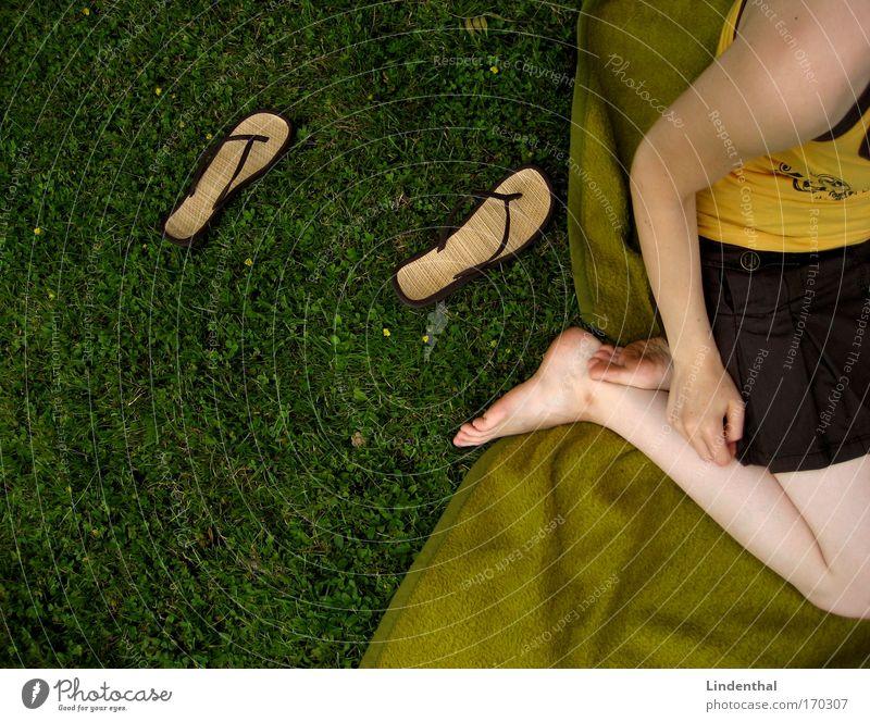 Meadow Grass Sit Lie Acrobatics Skirt Blanket Salto Fiasco Arrival Flip-flops