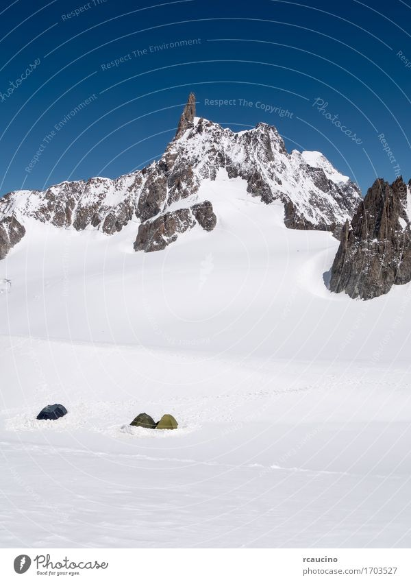 Mountain Base Camp Chamonix, France Sky Nature Vacation & Travel White Landscape Winter Sports Snow Group Tourism Copy Space Hiking Power Success Europe