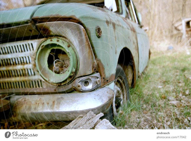 Green Environment Garden Car Lamp Dirty Broken Obscure Remainder Vintage car Carriage Scrap metal Trash
