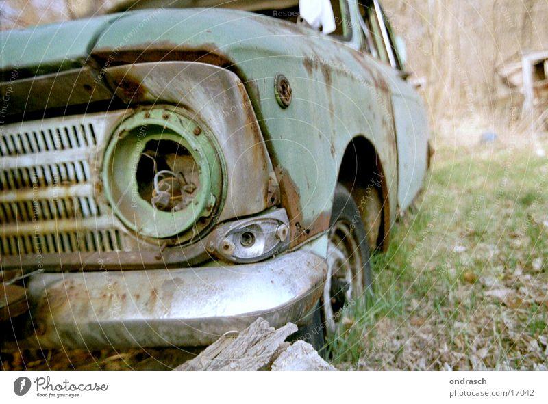 Green Environment Garden Car Lamp Dirty Broken Obscure Remainder Vintage car Carriage Scrap metal Trash