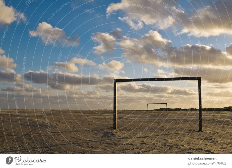Sky Ocean Summer Beach Vacation & Travel Calm Clouds Relaxation Sand Wind Horizon Island Climate Beautiful weather Football pitch