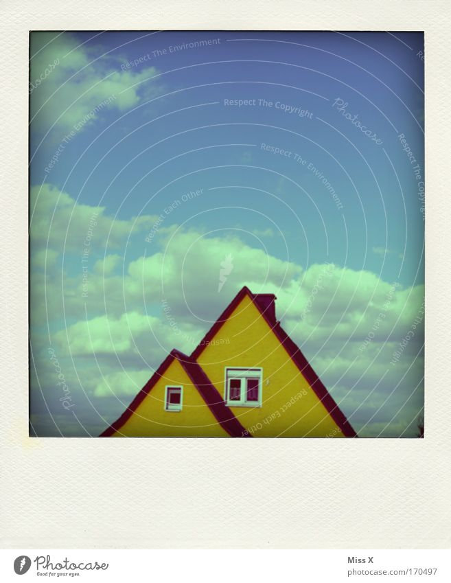 Old Sky House (Residential Structure) Yellow Wall (building) Window Wall (barrier) Facade Roof Roofing tile Detached house Clouds in the sky