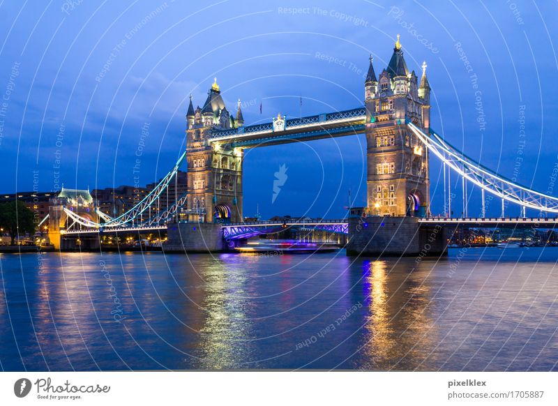 Tower Bridge, London Vacation & Travel Tourism Sightseeing City trip Night life Water River Themse Great Britain England Town Capital city Downtown