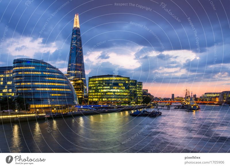 London at night (The Shard) Vacation & Travel Tourism Sightseeing City trip Night life Economy Business Success Water Night sky River Themse Great Britain
