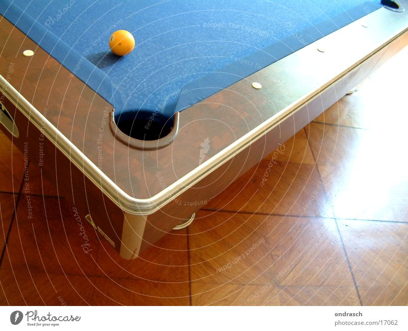 Hole in II Pool (game) Table Leisure and hobbies Swimming pool Bar 8 Round Gastronomy Playing Sphere Coil Roadhouse