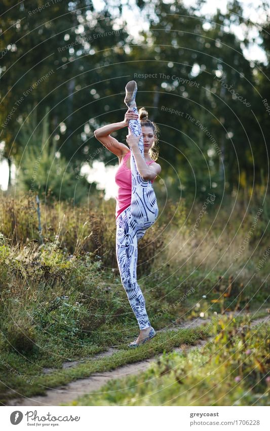 Athletic young woman working out in the country Human being Woman Youth (Young adults) Young woman Landscape Girl 18 - 30 years Adults Sports Blonde Fitness