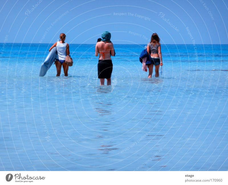 Human being Sky Youth (Young adults) Water Sun Vacation & Travel Ocean Summer Beach Adults Feminine Happy Horizon Leisure and hobbies Elegant Going
