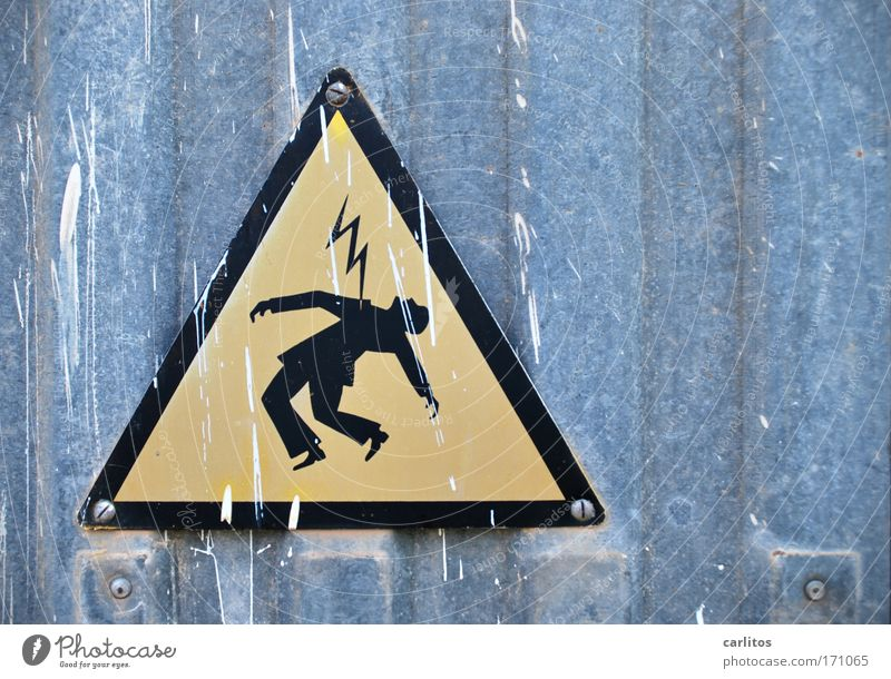 I'm hit by a blow Full-length Half-profile Upward Workplace Energy industry Lightning Metal Sign Signage Warning sign To fall Scream Sharp-edged Yellow Black