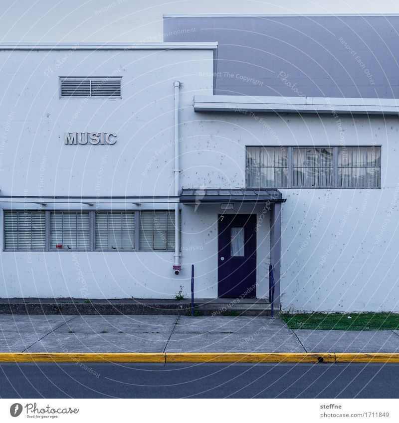 play da funky music House (Residential Structure) Facade Listen to music Music Music tuition School building Colour photo Exterior shot Deserted Copy Space top