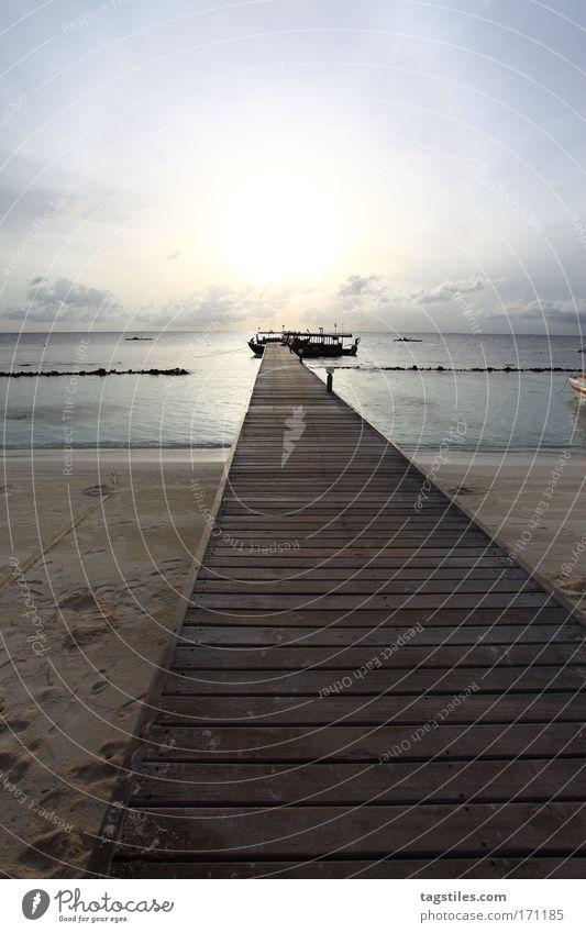 Sun Ocean Beach Vacation & Travel Relaxation Watercraft Island Travel photography Footbridge Maldives South Depart Vanishing point Atoll