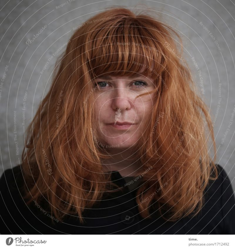. Feminine 1 Human being Wall (barrier) Wall (building) Jacket Red-haired Long-haired Observe Think Looking Wait Dark Beautiful Self-confident Acceptance