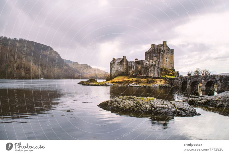 Eilean Donan Castle Vacation & Travel Tourism Trip Sightseeing City trip Museum Architecture Culture Nature Landscape Spring Rock Bay Ocean Island Isle of Skye