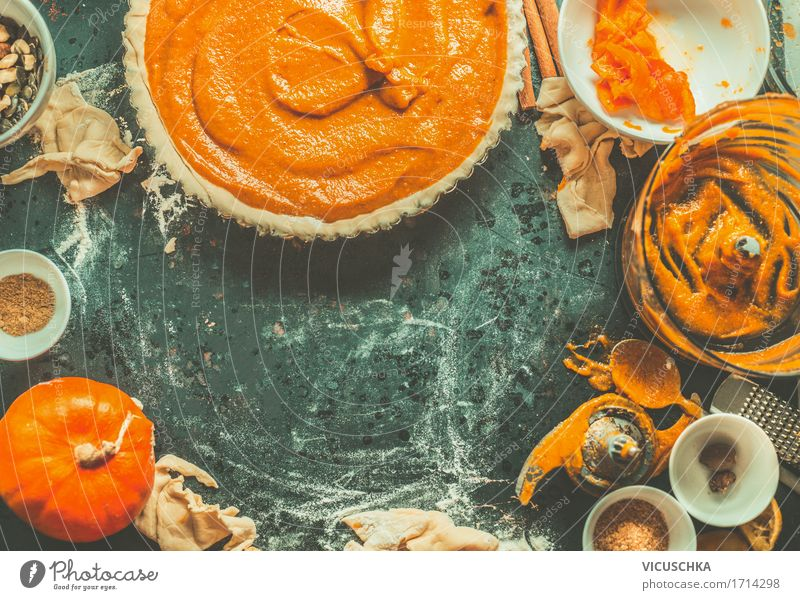 Bake pumpkin pie Food Vegetable Cake Dessert Nutrition Organic produce Crockery Style Design Life Living or residing Table Kitchen Thanksgiving Retro Baking