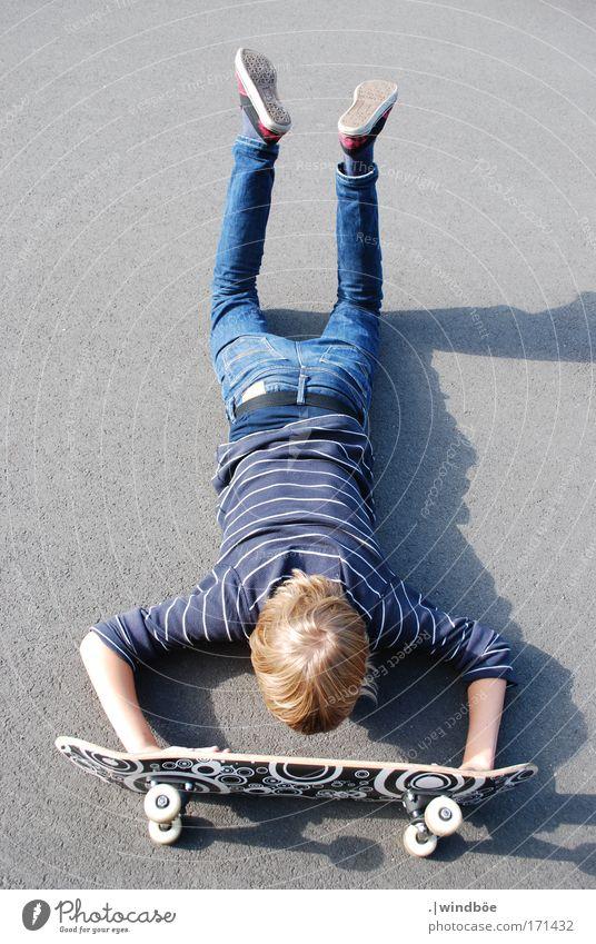 Human being Blue White Summer Joy Black Street Sports Gray Power Blonde Leisure and hobbies Masculine Lie Success Crazy