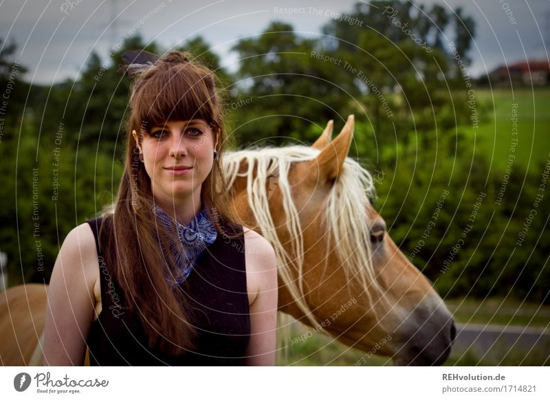 Carina . and the Haflinger Leisure and hobbies Ride Human being Feminine Young woman Youth (Young adults) Woman Adults Face 1 18 - 30 years Environment Nature