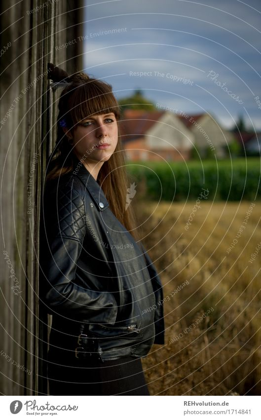 Carina in front of the barn. Human being Feminine Young woman Youth (Young adults) Woman Adults 1 18 - 30 years Environment Nature Landscape Field Fashion