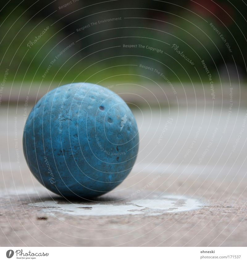 Old Blue Playing Happy Success Ball Round Leisure and hobbies Sphere Lose Golf course Mini golf Pastime Sporting Complex Spherical