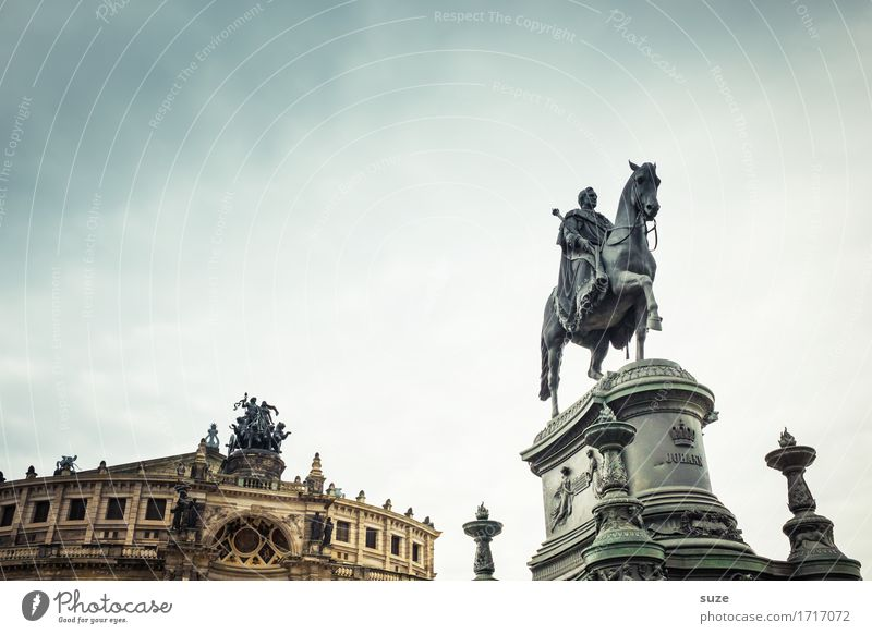 Sky Old Town Architecture Religion and faith Tourism Germany Culture Places Historic Past Tourist Attraction Symbols and metaphors Landmark Horse City trip
