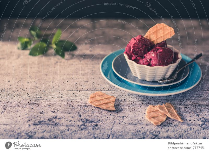 Ice melts in the summer heat Food Fruit Dessert Ice cream Candy Cookie Sorbet Nutrition Vegetarian diet Crockery Plate Bowl Spoon Colour To enjoy Colour photo