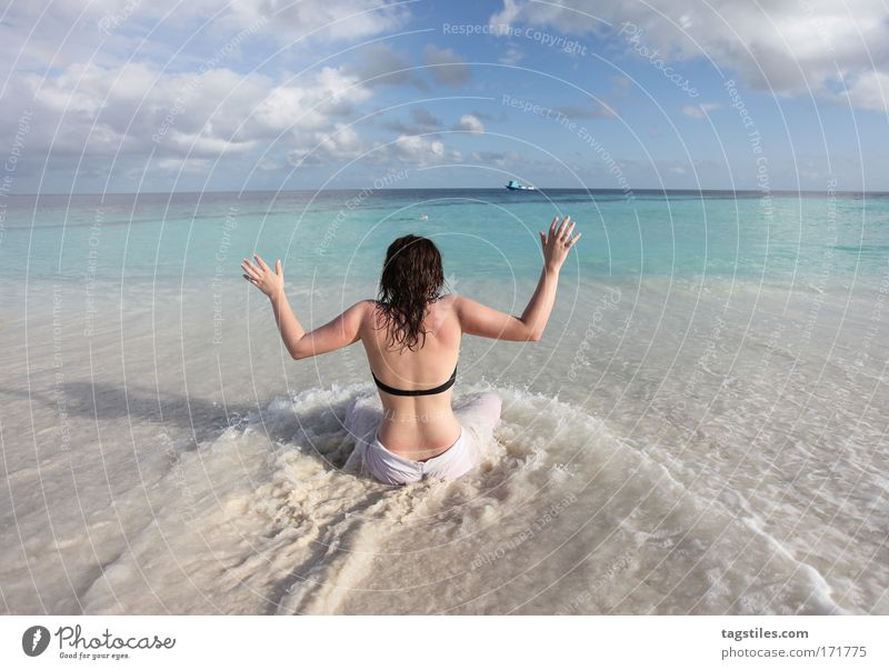 Woman Hand Ocean Summer Beach Vacation & Travel Relaxation Coast Tall Tourism Travel photography Scream Idyll India Maldives Surf