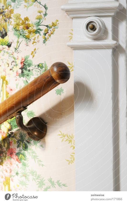 Old Wall (building) Wood Wait Flat (apartment) Stairs Kitsch Wallpaper Entrance Banister Staircase (Hallway) Bell Old building Old town Utilize Petit bourgeois