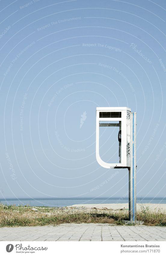 Sky Summer Ocean Beach Warmth Lanes & trails Bright Horizon Wait Beautiful weather Communicate Simple Telephone Contact Sidewalk Cloudless sky