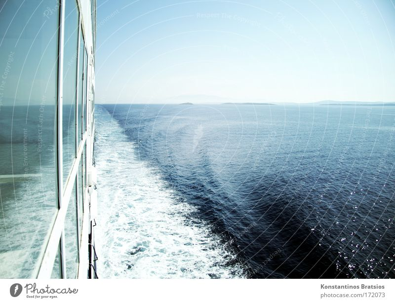 30,5 knots Colour photo Exterior shot Copy Space left Copy Space right Copy Space top Copy Space middle Day Reflection Sunlight Vacation & Travel Far-off places