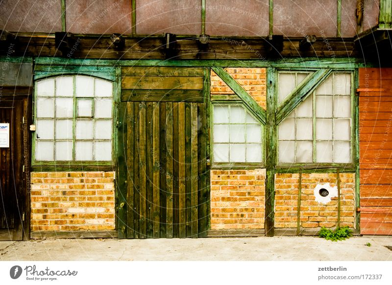 House (Residential Structure) Window Wall (barrier) Door Facade Gate Workshop Storage Saxony Town Wood Half-timbered facade Wooden structure Sliding door