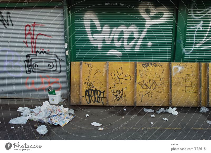 City Graffiti Dirty Facade Cleaning Draw Trade Marketplace Closing time